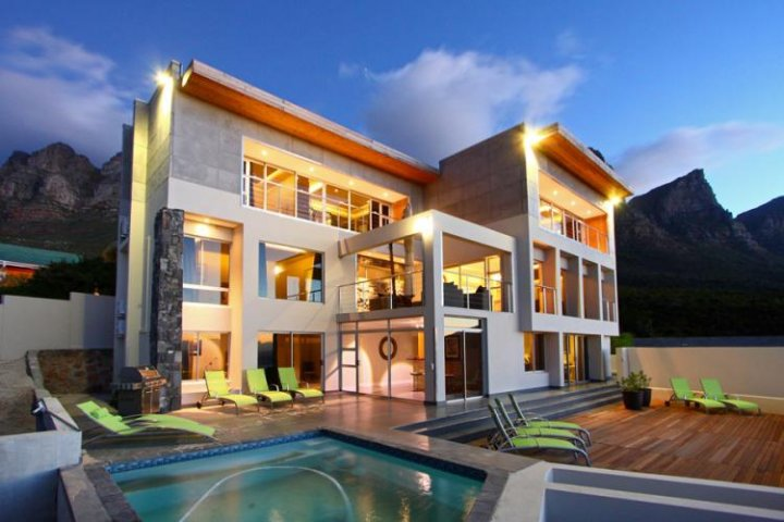 apostle-views-camps-bay-Luxury Holiday Villas