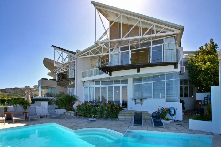 beach-villa-one-camps-bay- Winter specials