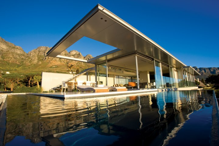 bond-guest-apartment-camps-bay-Villa with good architecture