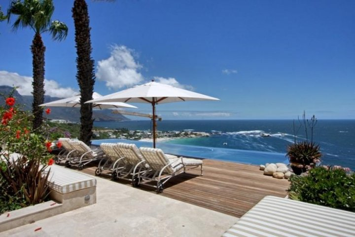 luxury beach villa clifton 2