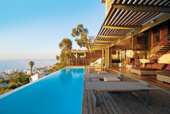 Villa Titan - Luxury Holiday Homes - Bantry Bay