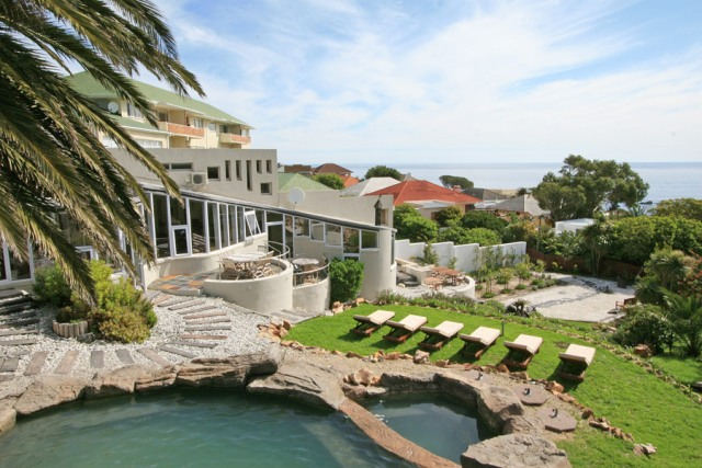 khoi-pond-camps-bay-villas with gardens