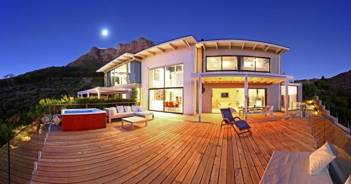 Luxury Llandudno villa accommodation