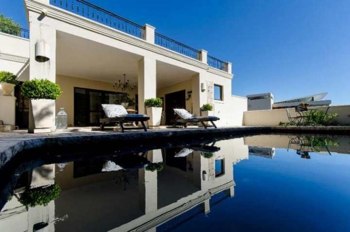 Luxury villas Cape Town Camps Bay