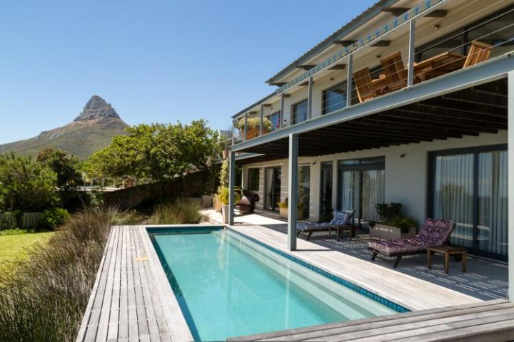 Self Catering holiday rentals with pool
