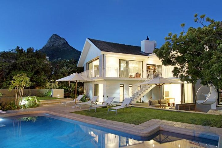 Christmas Holiday Villa Camps Bay