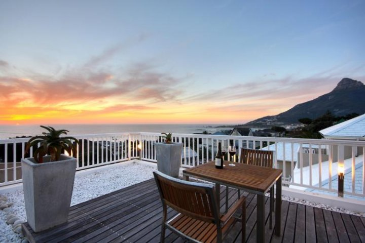 luxury villa - camps bay - palm beach house