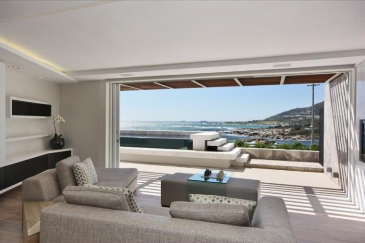 Apartments Camps Bay Holiday Luxury Self Catering Accommodation Cape Town