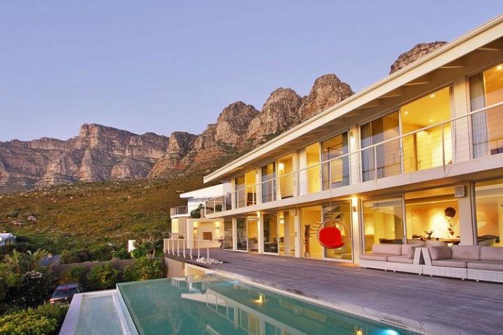 falcon-villa-camps-bay-holiday-villa