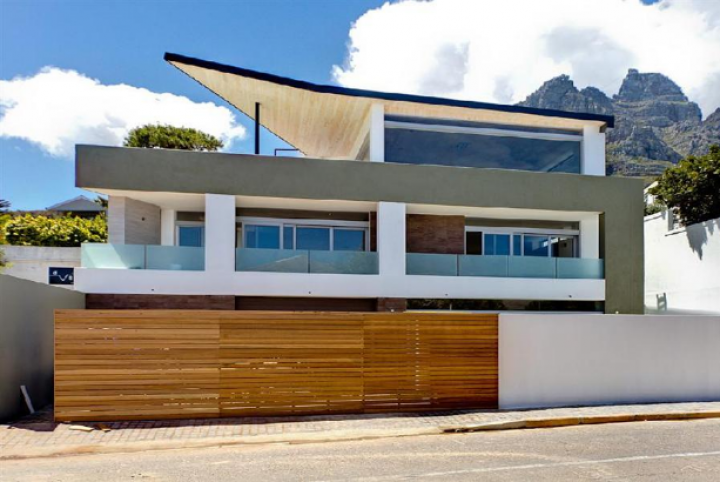 December Holiday Camps Bay villas villa accommodation