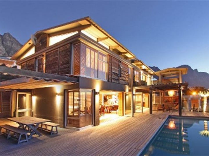 luxury villa - medburn-luxury-camps-bay