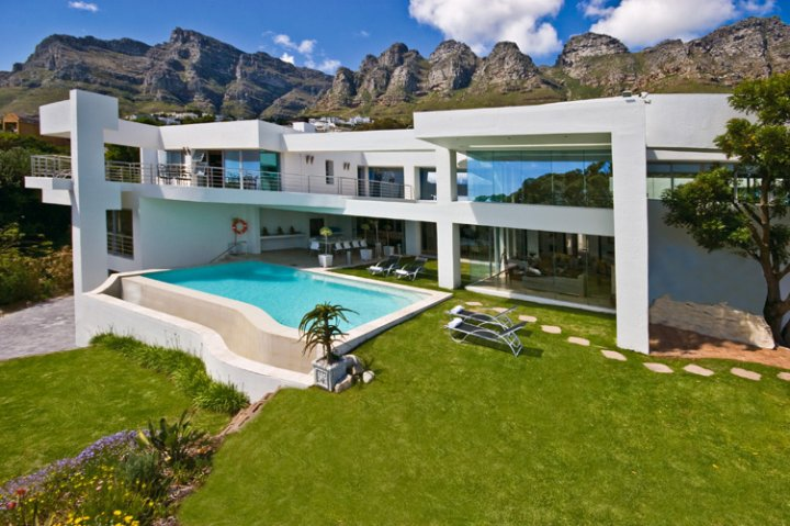 fulham-mansion-camps-bay-cape-town-easter-holiday-rental
