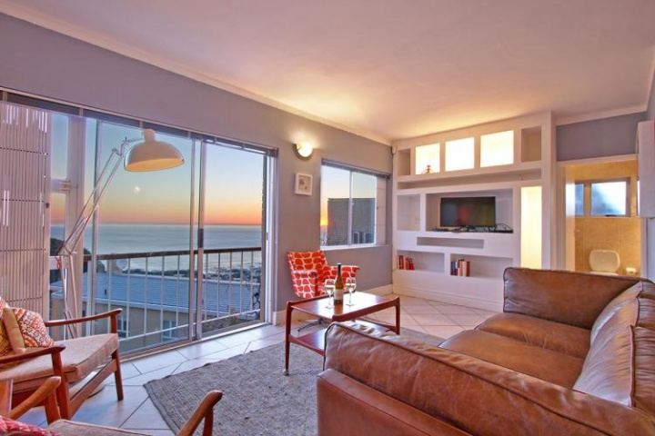 sunset-jazz-camps-bay-holiday-apartment-luxury-villa