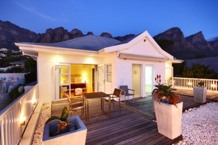 palm-beach-house-camps-bay-Atlantic-Seaboard-Self-Catering-holiday-accommodation
