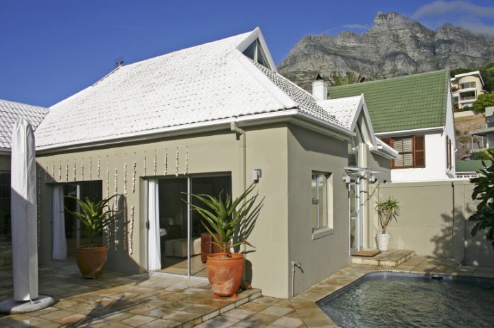 beach-shell-villa-camps-bay-luxury-2-bedroom-self-catering-villa