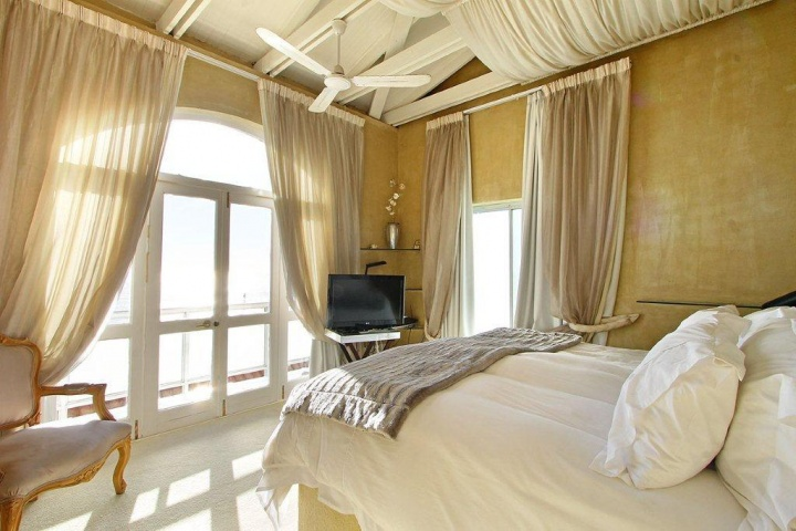 mount-pleasant-one-bedroom-holiday-accommodation-in-cape-town-clifton