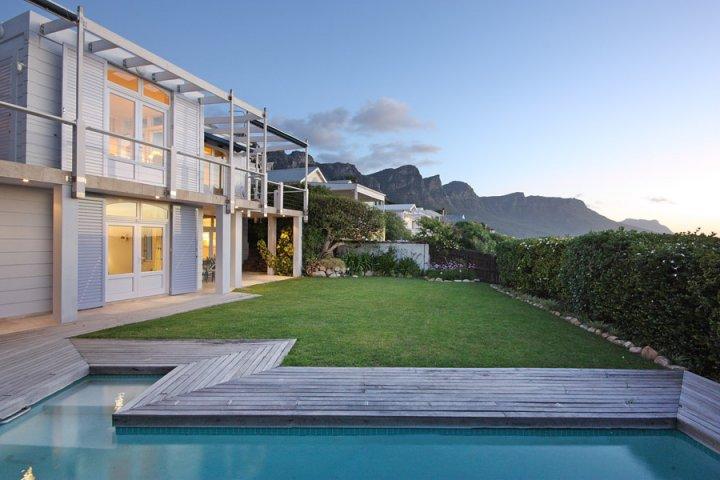 glen-on-the-rocks-luxurious-camps-bay-villa