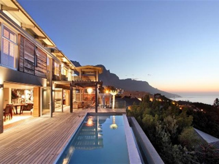 medburn-luxury-luxurious-camps-bay-villa