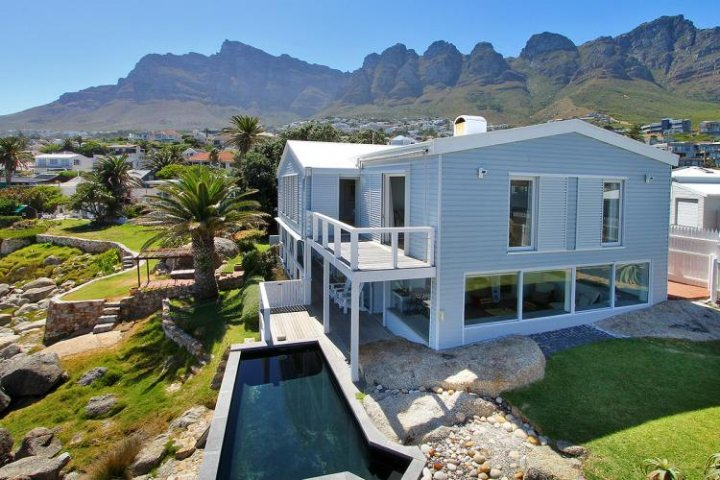 bakoven-dream-bakoven-romantic-holiday-accommodation-cape-town 2