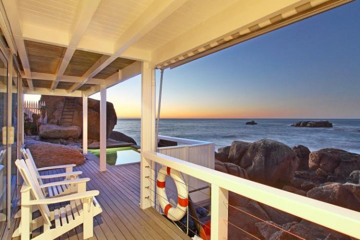 bakoven-dream-bakoven-romantic-holiday-accommodation-cape-town